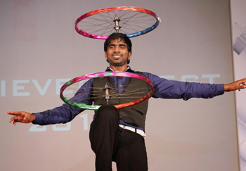 Juggling with wheel dance
